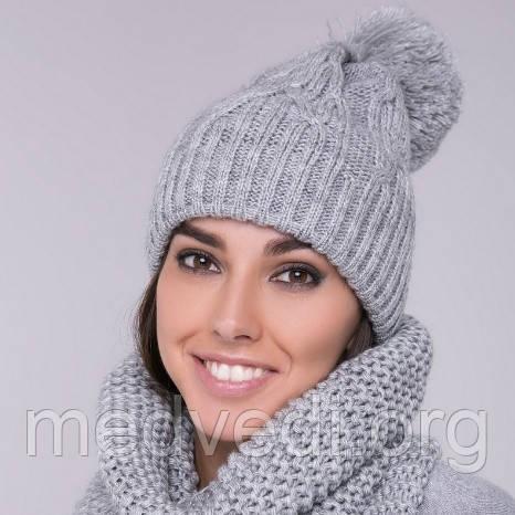 Двойная женская шапка светло-серая с бубоном