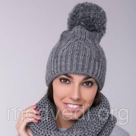 Зимняя женская шапка серая с бубоном, теплая, молодежная