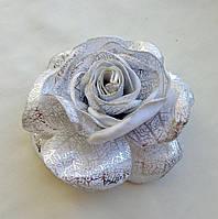 """Брошь из ткани ручной работы """"Серебряная роза"""""""