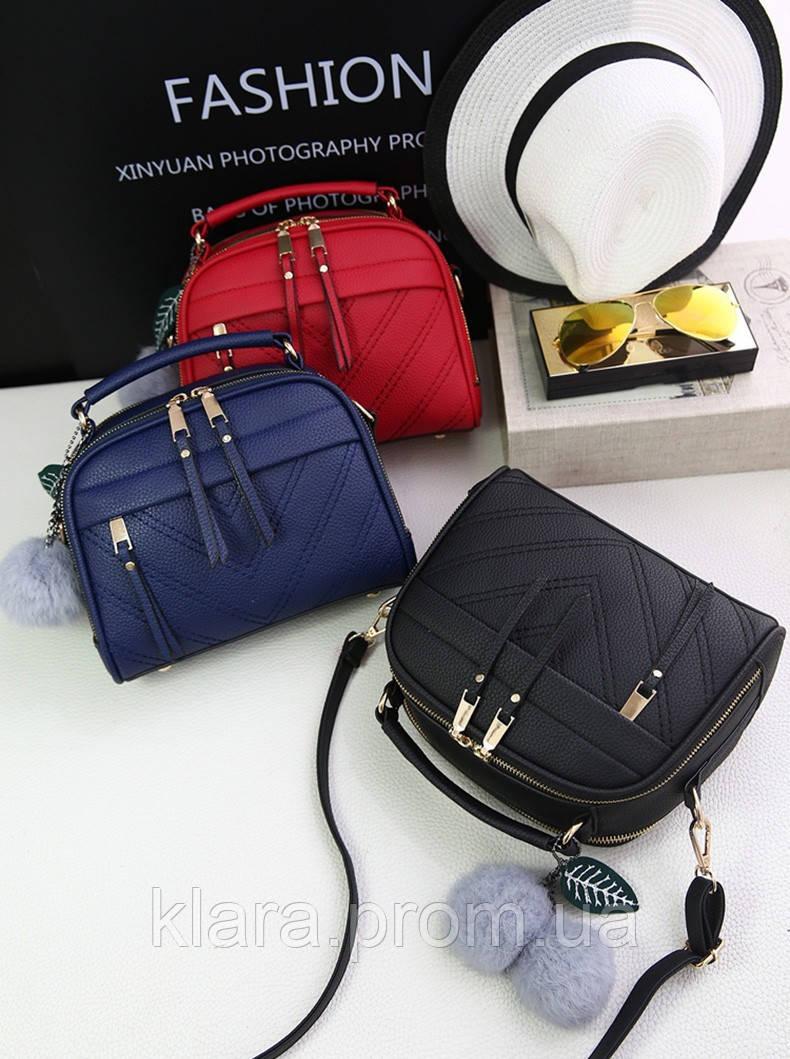 cff6b49e Красивая черная женская сумка в форме чемоданчика с меховым брелком, ...
