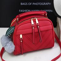 3431b0fe Привлекательная красная женская сумка в форме чемоданчика с меховым помпоном