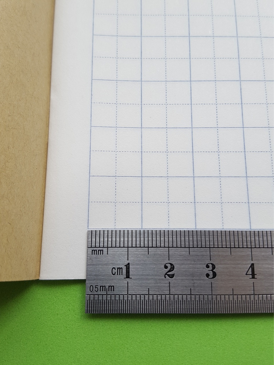 Тетрадь для написания иероглифов. Клетка 13,5 мм с пунктиром. 3024 клетки