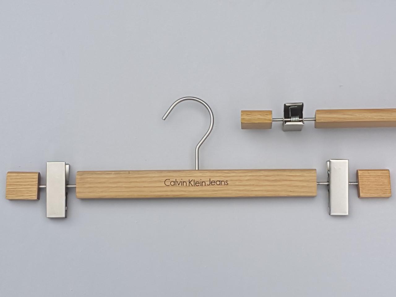 Плечики длиной 41,5 см вешалки уцененные деревянные для брюк и юбок бренда  Calvin Klein