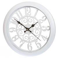 Белые настенные часы в стиле прованс