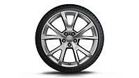 Легкосплавные диски R19, дизайн с 5 V-образными спицами «серебристо-бриллиантовое», зимние шины Dunlop
