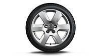 Легкосплавные диски R17, дизайн с 6 спицами кованый, «серебристо-бриллиантовое», зимние шины Pirelli Winter