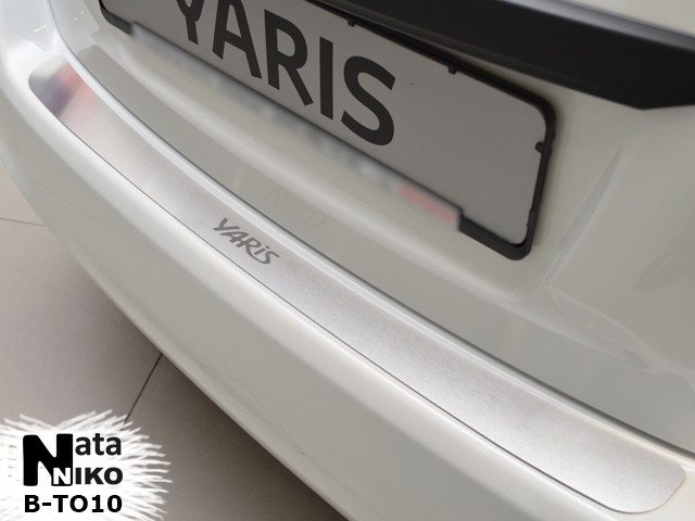 Накладка на бампер Premium Toyota Yaris III 5D 2011-2014