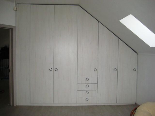 Встроенный шкаф в спальню под заказ