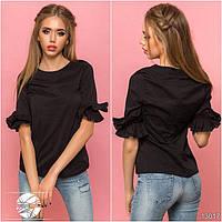 Женская блузка черного цвета с рюшами на рукавах. Модель 13017