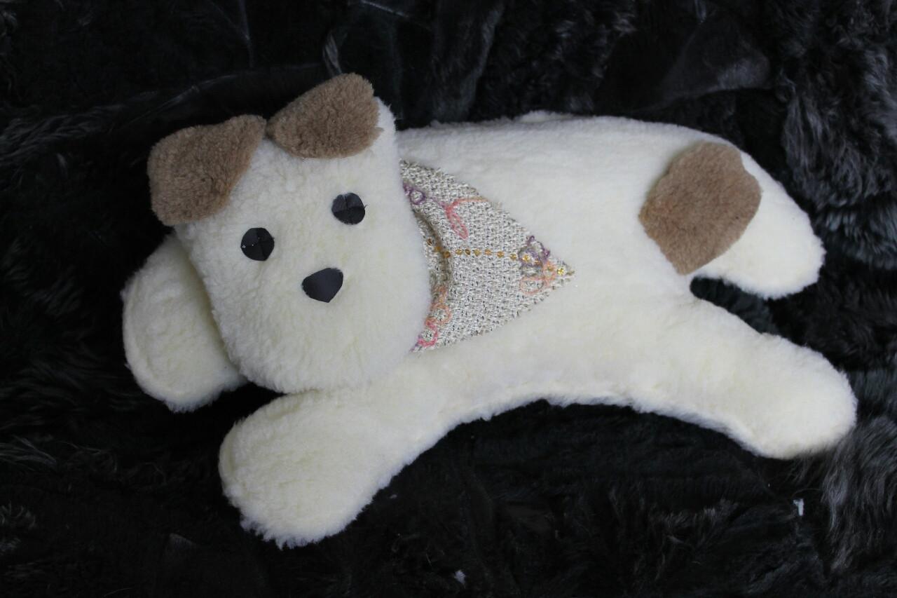 Дорожная подушка из овечьей шерсти «Большая собака»Нет в наличии