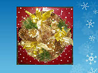 Венок из шишек и искусственной хвои с золотыми украшениями, d = 23 см (шт.)