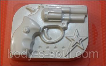 Пластиковая форма для мыла  Револьвер