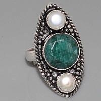 Красивое кольцо - натуральный изумруд и жемчуг в серебре.