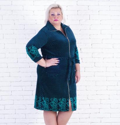 Женский велюровый халат большого размера в горошек