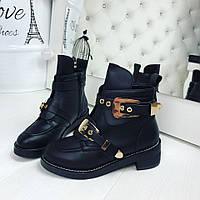 Женские осенние ботиночки чёрные реплика известного бренда