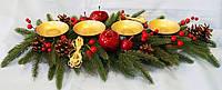 Композиция новогодняя на 4 свечи с ягодами и шишками длинная