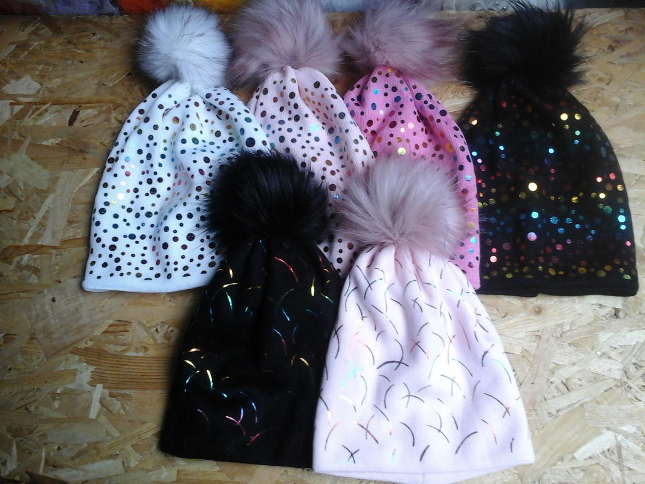 Вязанная шапочка  для девочки