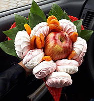 Букет из яблока , зефира , кураги