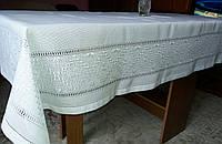 """Белая скатерть с вышивкой шелковыми нитями ручной работы """"Шармель"""""""