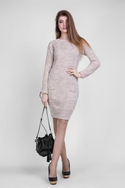 Светлое вязаное платье 1413