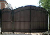 Распашные ворота с калиткой из металопрофиля