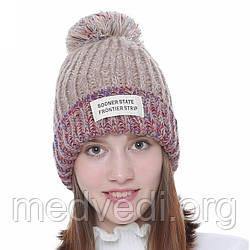 Бежева стильна жіноча шапка з бубоном, зимова, тепла