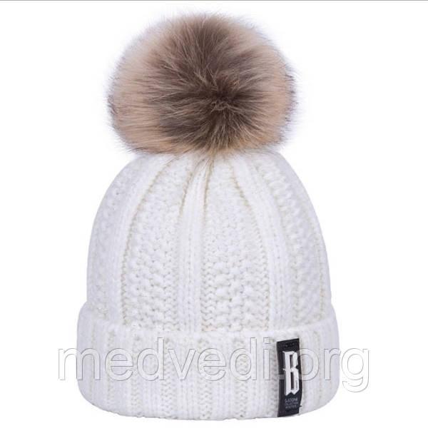 Белая женская шапка люрекс с помпоном