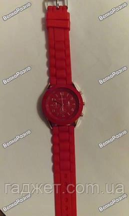 Женские часы Geneva красного цвета., фото 2