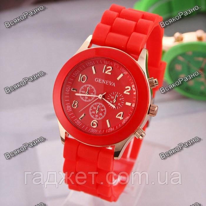 Женские часы Geneva красного цвета.