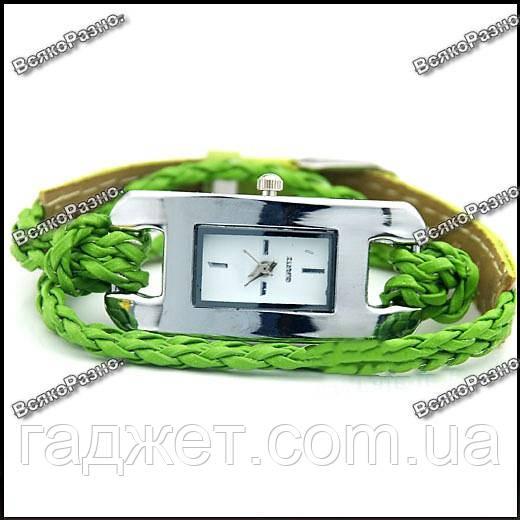 Стильные женские часы IEKE салатового цвета