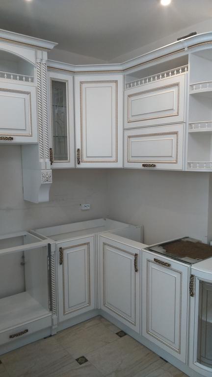 Встроенная угловая кухня под заказ