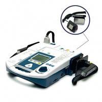 Дефибриллятор CU-ER5 укомплектован: адаптер для электродов, электроды одноразовые взрослые