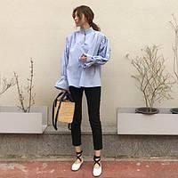 Женская блуза голубого цвета в стиле ретро