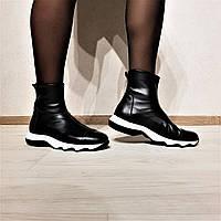 Женские кожаные черные ботинки от TM L'Estrosa
