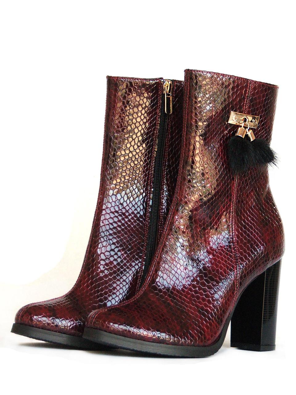 Демисезонные лакированные ботинки