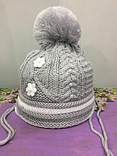 Детская шапка на завязках для девочки