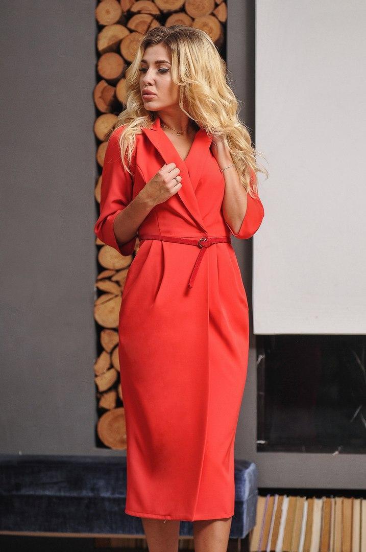 Стильное платье с разрезом,с карманами