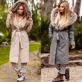 Пальто с натуральным мехом енота 10906