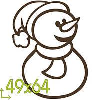 Веселый снеговичок размером 50х64мм.