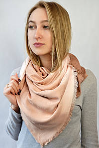 Платок Louis Vuitton градиент пудровый