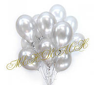 Букет с белыми перламутровыми шарами 25 шт.