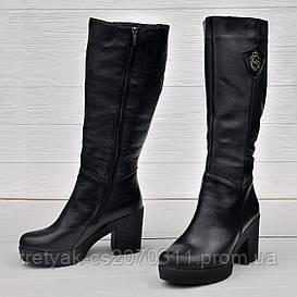 Сапоги классические из кожи на широком каблуке чёрного цвета