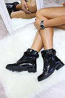 Ботинки женские демисезонные с ремешком, материал - натуральная кожа, черный