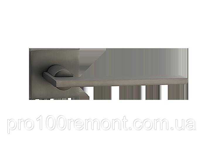 Ручка дверна на розетці МВМ Z-1450