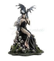 Коллекционная статуэтка Veronese Сумасшедшая королева WU77217VA
