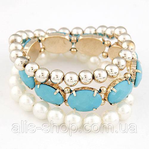 Набор браслетов жемчуг, золотые бусины, голубые камни
