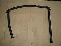 Уплотнитель стекла задней правой двери 82330 9U0 Nissan Note 2005-09