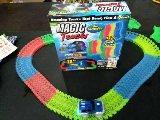 Magic Tracks Гоночный трек 165 деталей.
