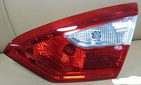 Фонарь крышки багажника правый  седан Ford Focus 3