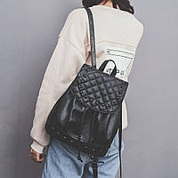 Женский рюкзак черный с 3D ефектом